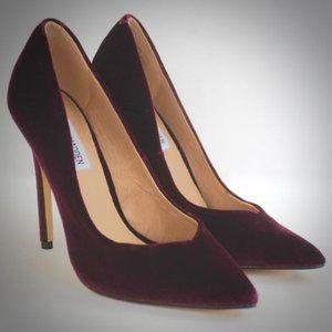 Steve Madden Red Velvet Pump Heels 7.5 Wicket Shoe